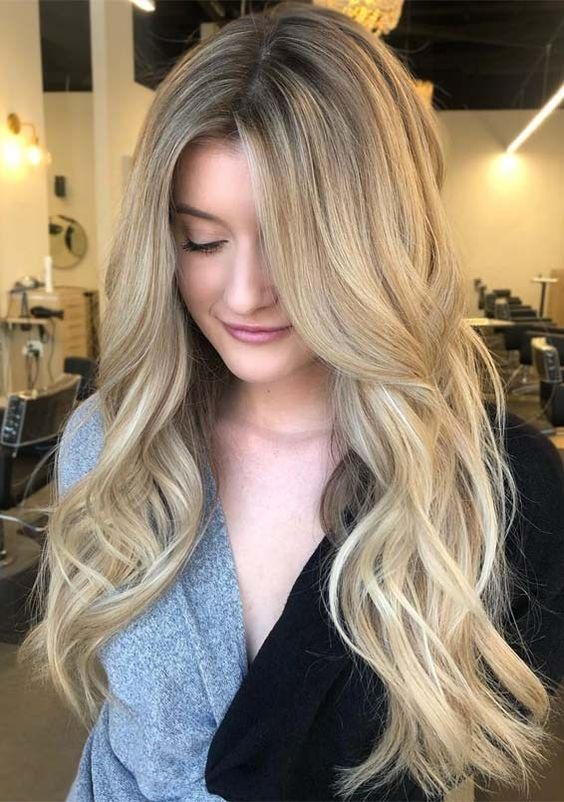 Long Hairstyle For Round Face Women To Enhance Temperament