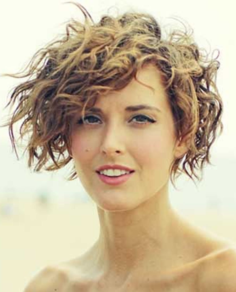 Short Curly Haircuts For Women 2019 70